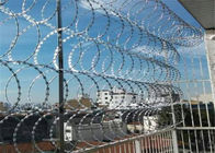 Single Concertina Razor Barbed Wire Use For Security Fencing CBT - 65 BTO - 22